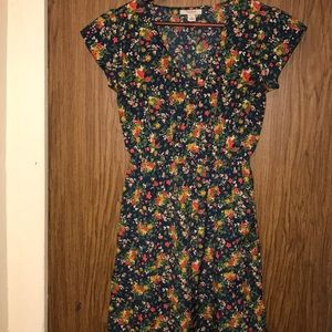 Tucker woman flowers printed shirt size small